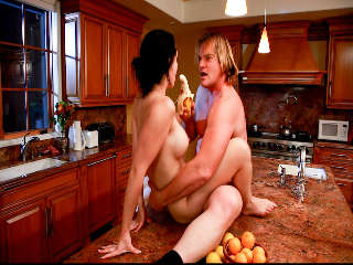 Estudiante De Intercambio #03, Evan Stone & Angell Summers