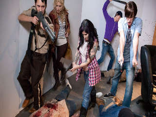 Walking Dead Orgía! Joanna Angel & Tommy Pistola