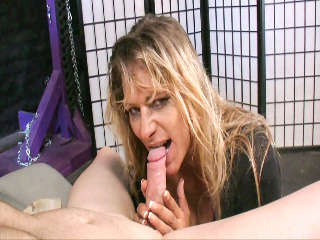 Tu Mamá es Un Cock Sucker #04 Debi Diamond