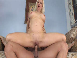 Big Titty Milfs #08 Veronica Vaughn