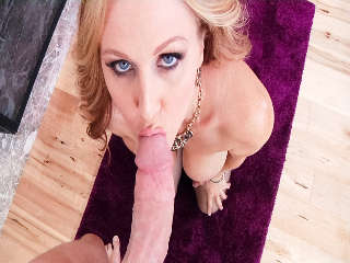 MILFs Chupar Mark Wood & Julia Ann