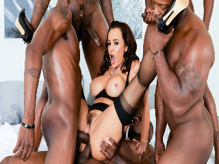 Lisa Ann es Interracial DP BBC Gangbang
